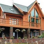 В деревянном доме уютно и тепло